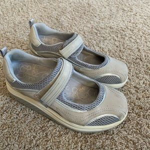 Skechers shape ups Mary Jane shoes